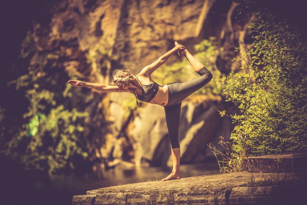 Gleichgewicht und Balance beim Yoga - mehr Resilienz und Ausgeglichenheit.
