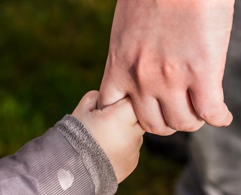 Eltern übernehmen die Verantwortung für ihre Kinder.