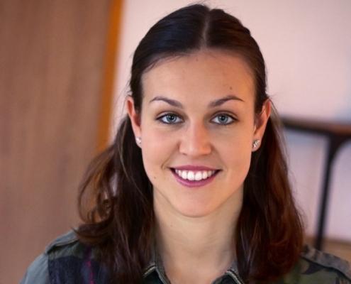Christine Königsmann ist Gesundheitswissenschaftlerin und Ernährungscoach